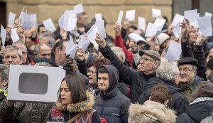 Manifestació a Bilbao, el febrer del 2017, en protesta pel judici a Artur Mas per la consulta del 9N. Fotografia de Miguel Toña. Efe