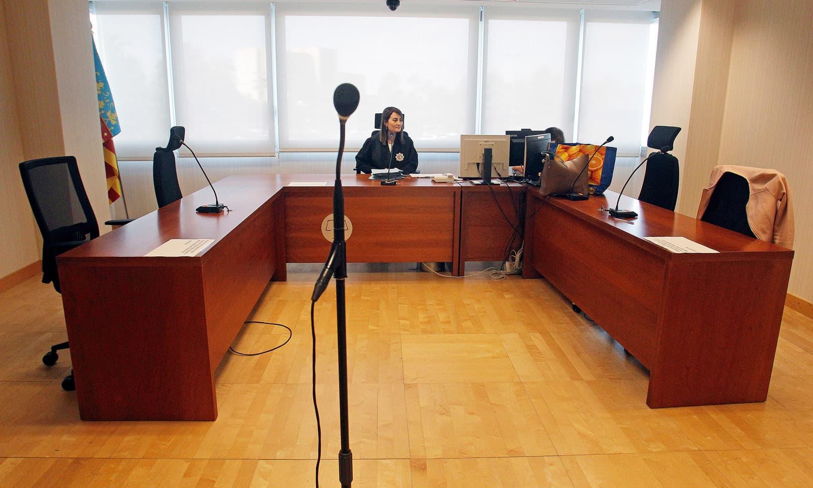 Judici telemàtic a un jutjat d'Alacant el mes de juny. Fotografia de Morell. Efe.
