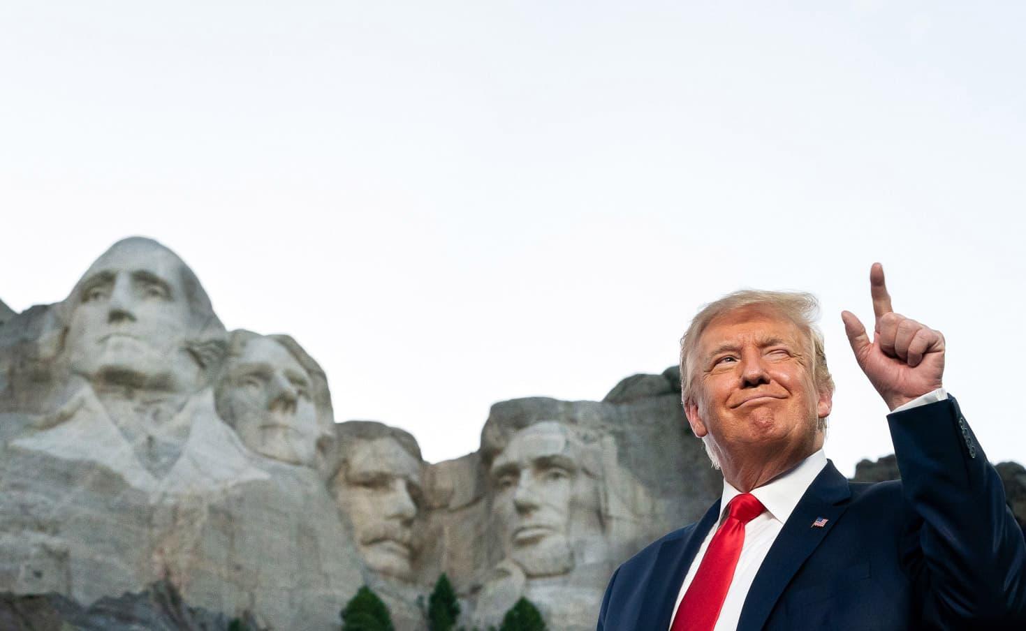 El president Trump al Mount Rushmore el passat 3 de juliol. Fotografia d'Andreas Hanks. White House. Zuma Wire
